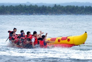 group-boat-capsize